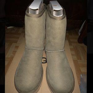 UGG Classic Short ll Women's Boots